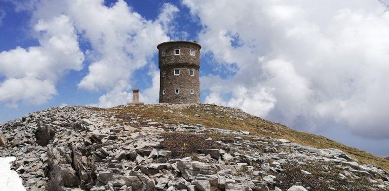 Планинарство и планинарска солидарност за санација на бетонскиот кров на Кулата на Титов врв