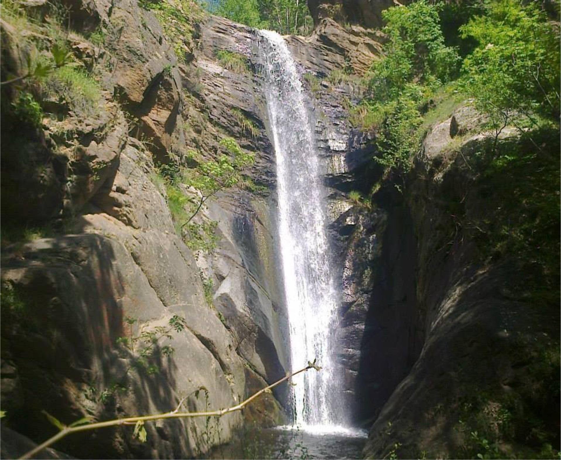 Планината Беласица  љубоморно ги крие своите убавини